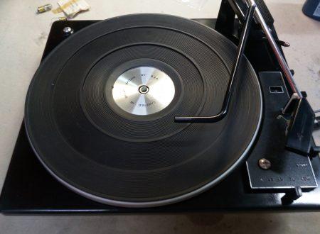 Restauro di un piatto BSR del 1970